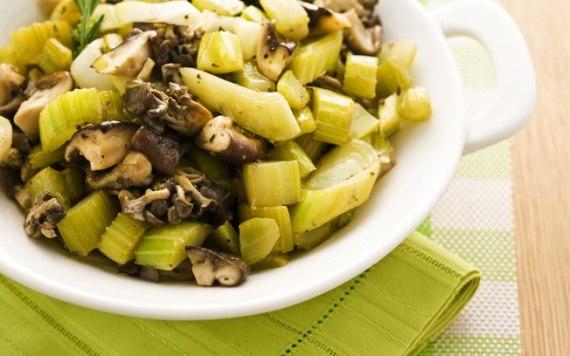 Aspargos e cogumelo
