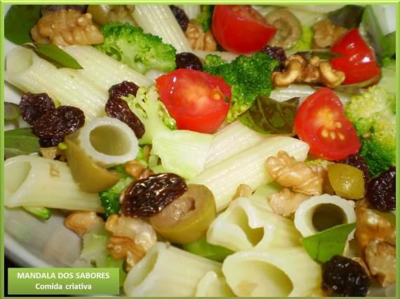 salada de brocolis e nozes